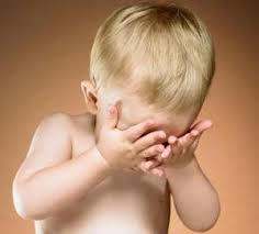 Ребенок жалуется на быстрое уставание глаз