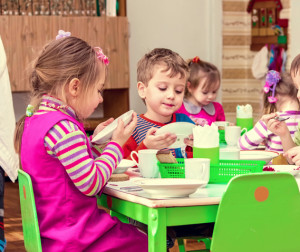 Герпес легко распространяется в детских коллективах