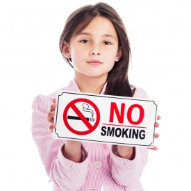 Следите чтоб ребёнок не был пассивным курильщиком