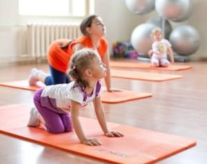 ЛФК для детей укрепляет организм после болезни