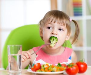 При болезнях почек важно соблюдать диету