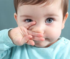 Выделения из носа - одно из проявлений аллергии