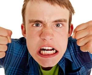 Неадекватная реакция на внешние раздражители