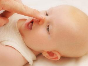Заложен нос у грудничка